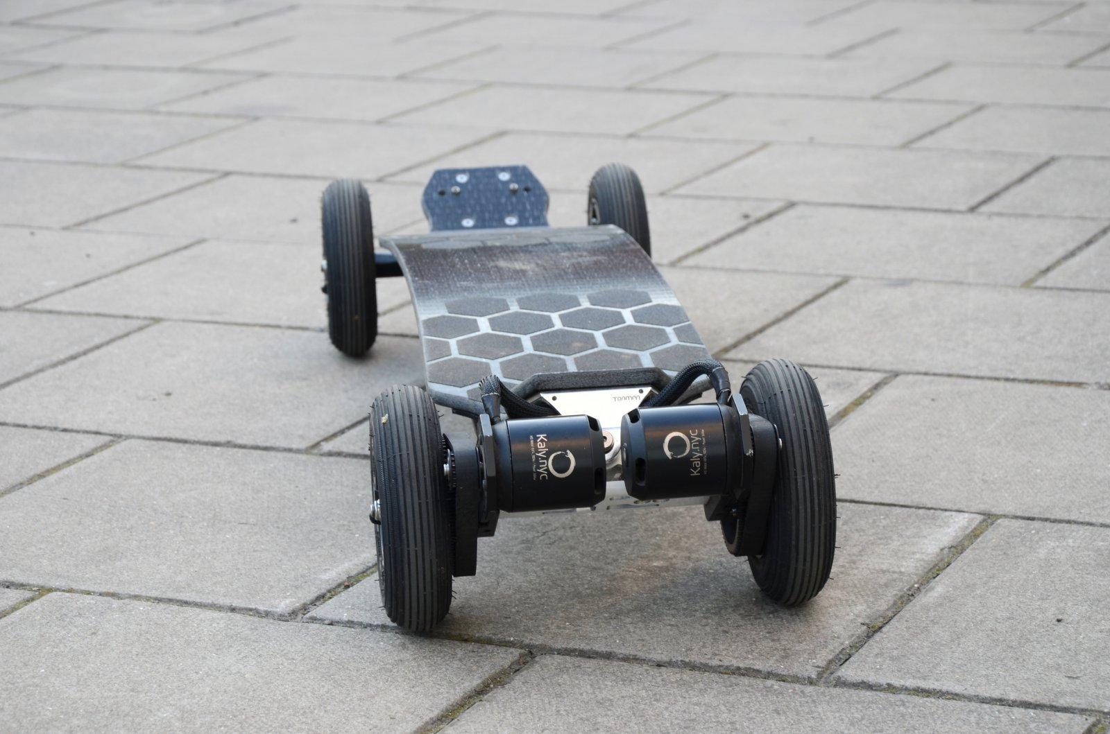 Sold Uk London Kaly Nyc Trampa Electric Skateboard